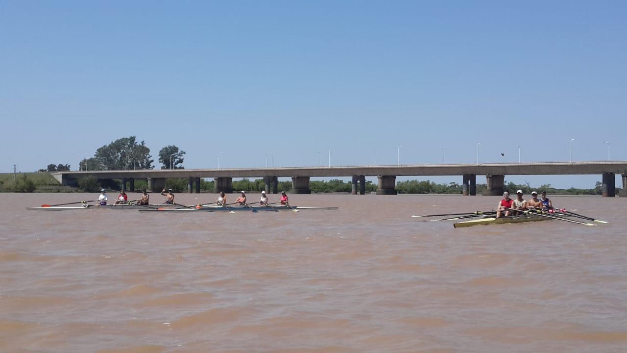 Botes y puente
